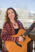 Holiday Sing Along with Sari Davidson